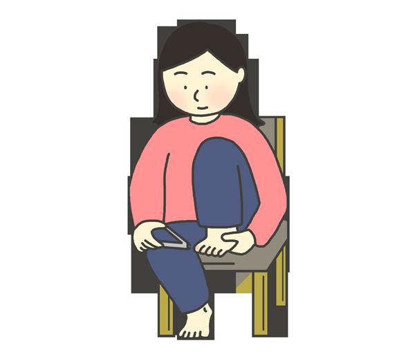足の爪を切っている女性のイラスト